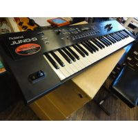 <p>Affordable 61-note synthesizer with improved keyboard feel and GM2 compatibility<br />Powerful new patches featuring 88-note stereo multi-sampled piano, legendary rock organs by Jon Lord, and &rsquo;80s Vintage synth sounds.<br />Patches organized in categories such as Piano, Guitar, Orchestra, etc.<br />47 multi-effects, 8 reverb types, 8 chorus types<br />Powerful arpeggiator, with 400 phrase/arpeggio templates for instant sonic animation<br />24 Multi Chord memory for one-finger chord triggering; 32 Rhythm Guide metronome with preset patterns and variations<br />D Beam controller and front-panel control knobs for expressive performance.</p><p>Excellent condition.</p>